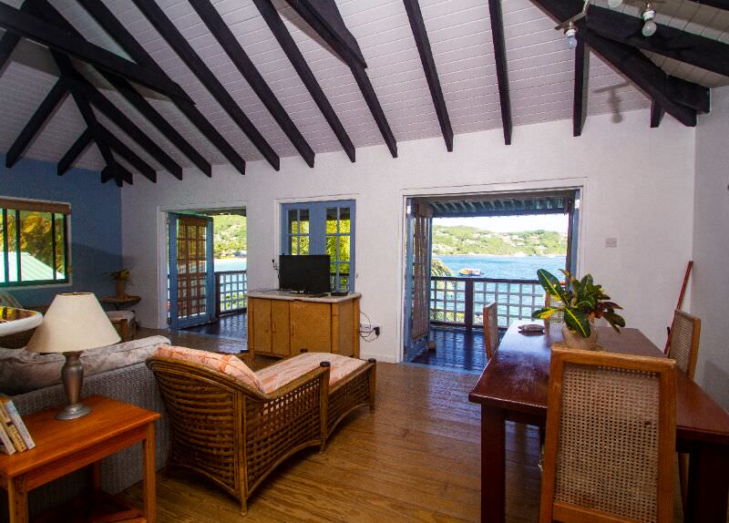 large villas to rent bequia